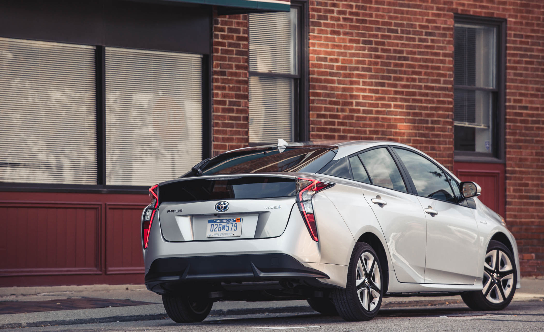 2018 toyota prius cargo space and storage review car and driver photo s original