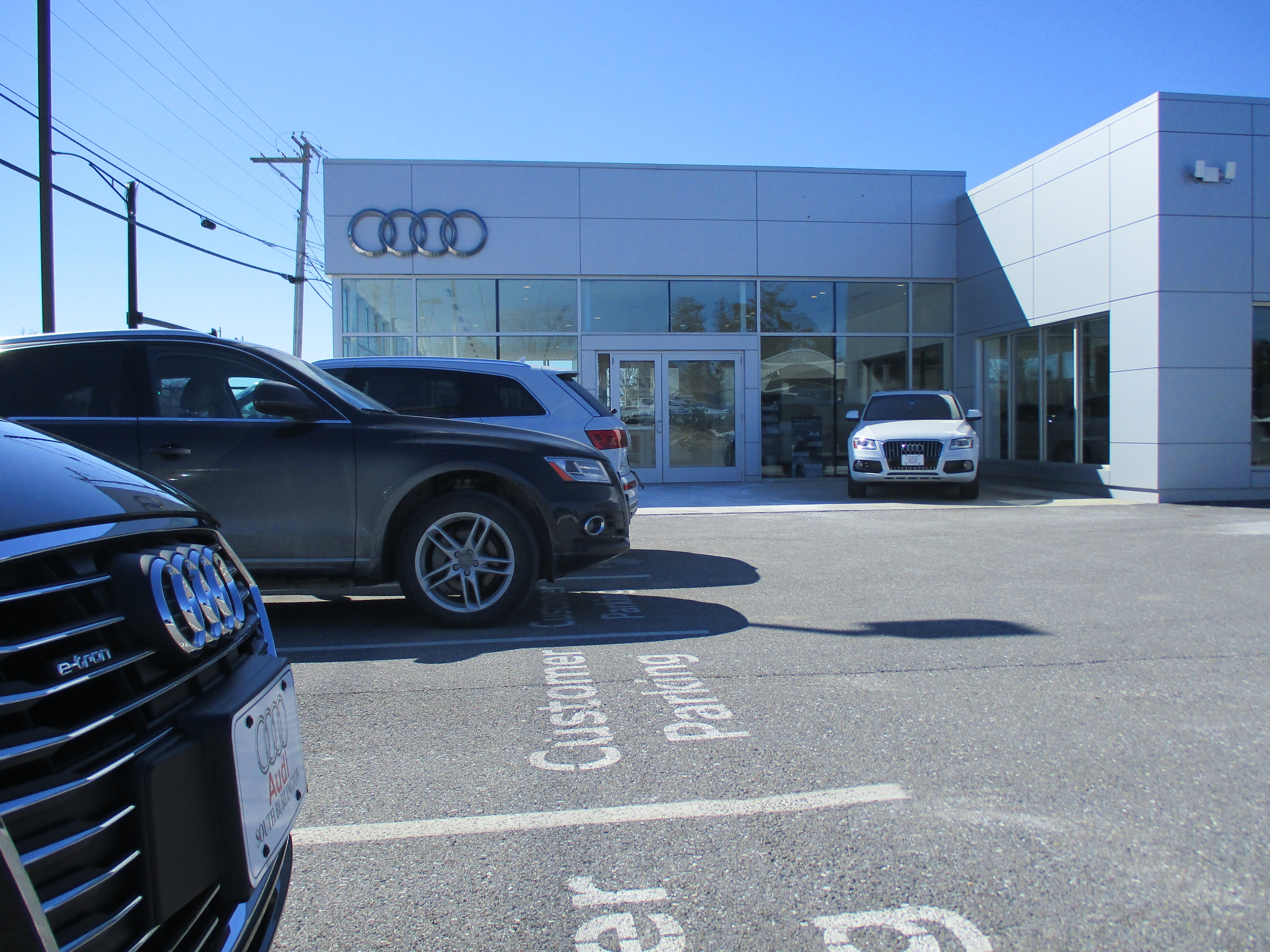 located on the eastern shore of historic lake champlain in south burlington vermont audi south burlington is part of the shearer auto group locally owned