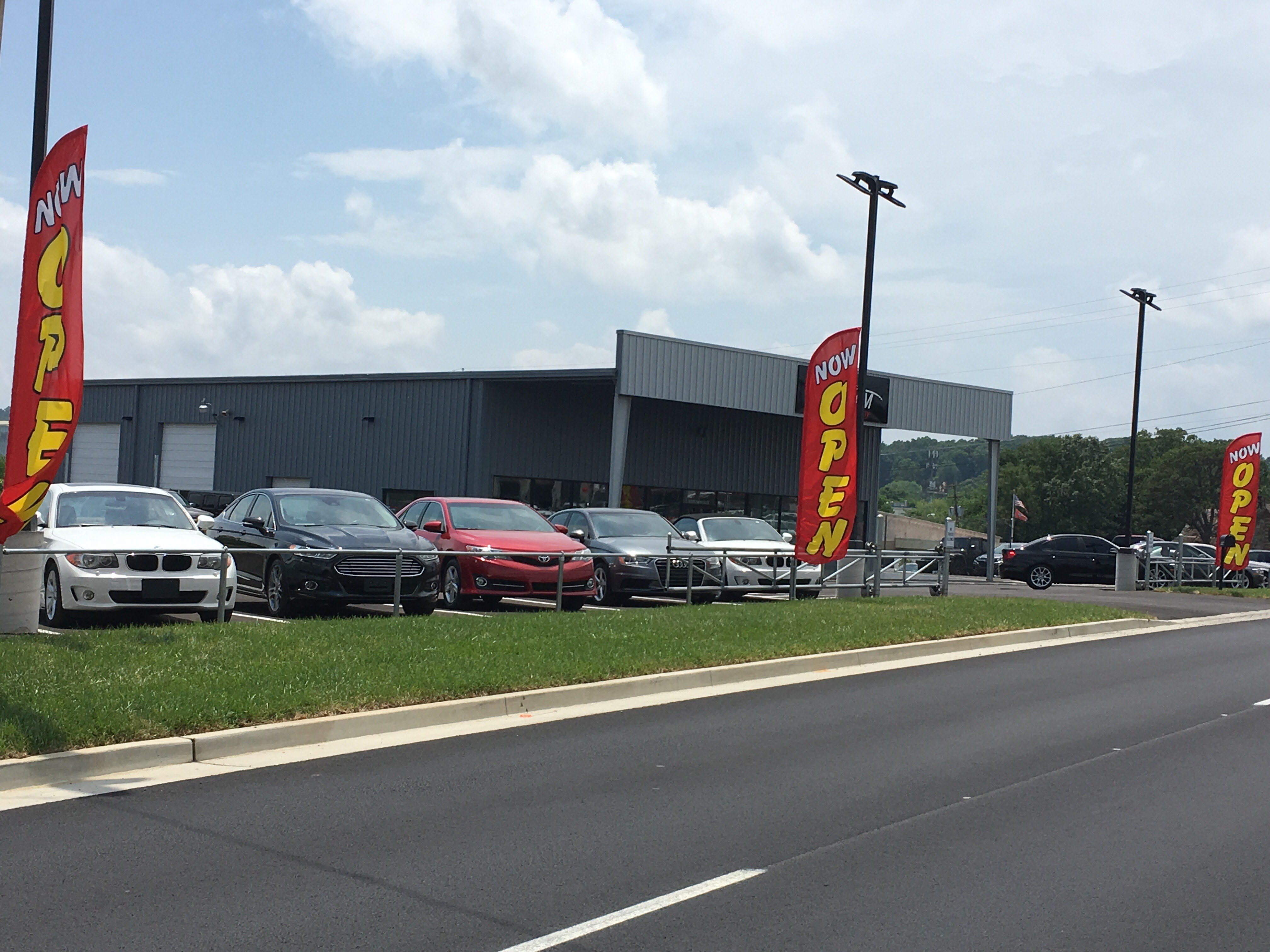 wel e to our used luxury car dealership knoxville tn although graham motor pany was just opened in january of 2017 we have over 40 years of bined