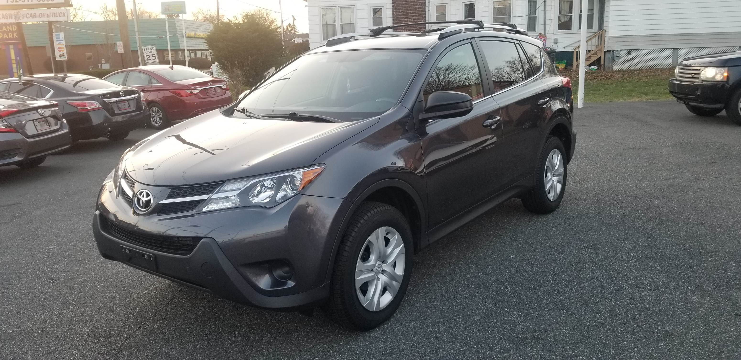2015 toyota rav4 le awd 2 5l 4 cylinder clean carfax 1 owner under toyota warranty only 14k miles back up camera