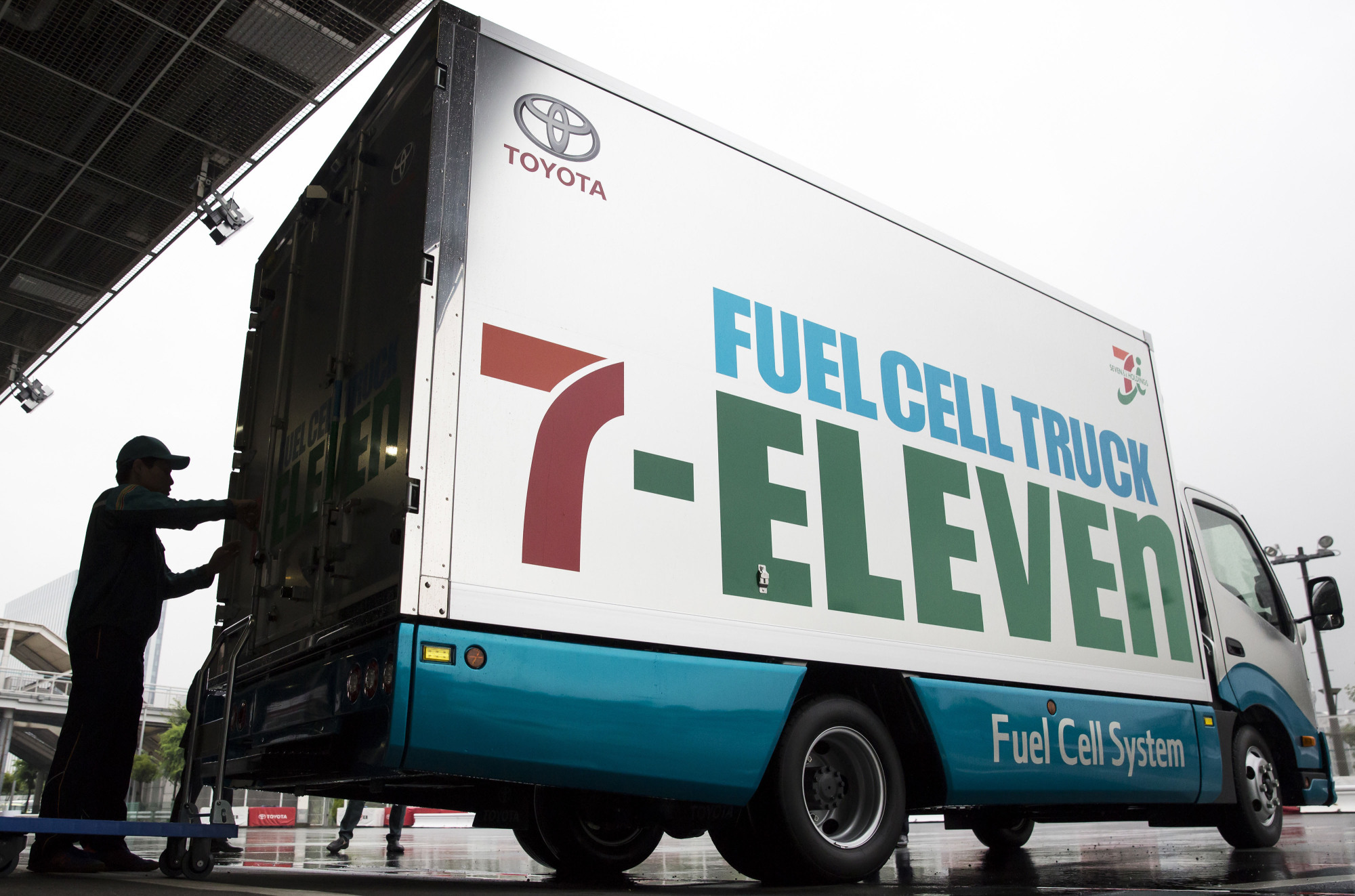 Use Truck Awesome Seven Eleven to Use toyota Fuel Cell Trucks for Deliveries Next Year