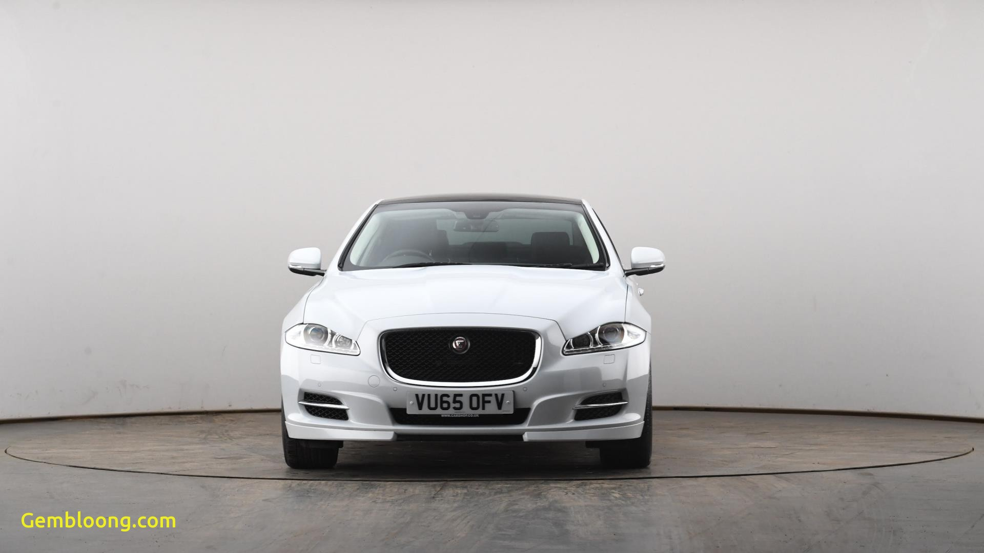 used car superstore luxury used jaguar xj 3 0d v6 portfolio 4dr auto [8]