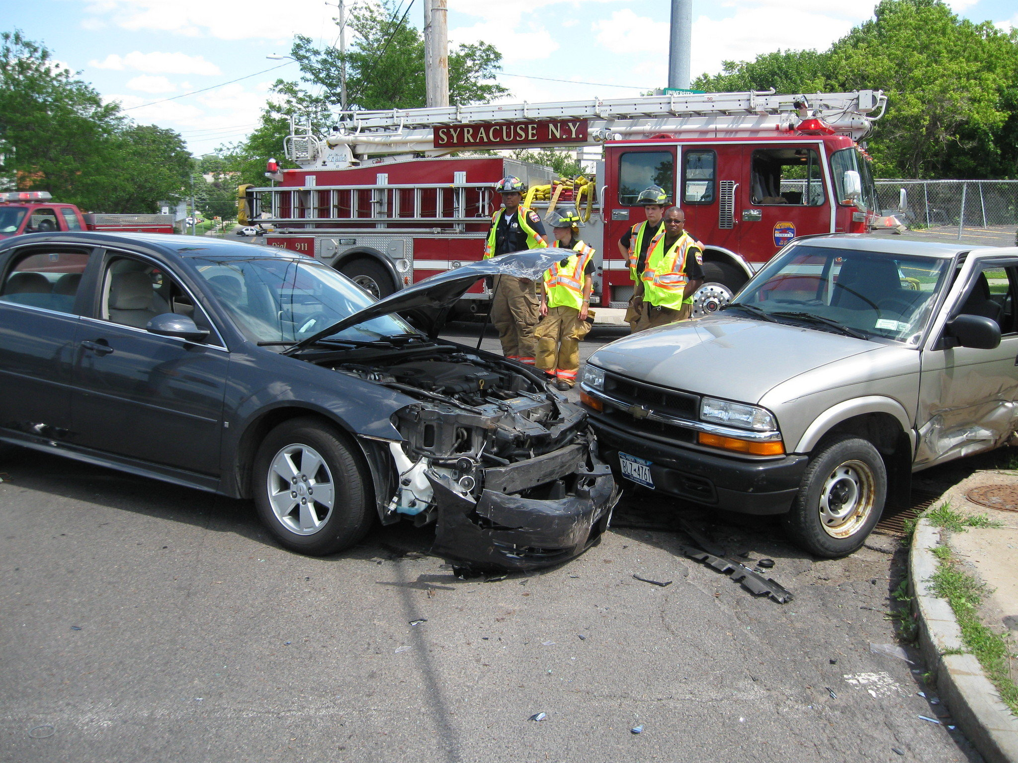 two car crash at university and east fayette sends two to hospital