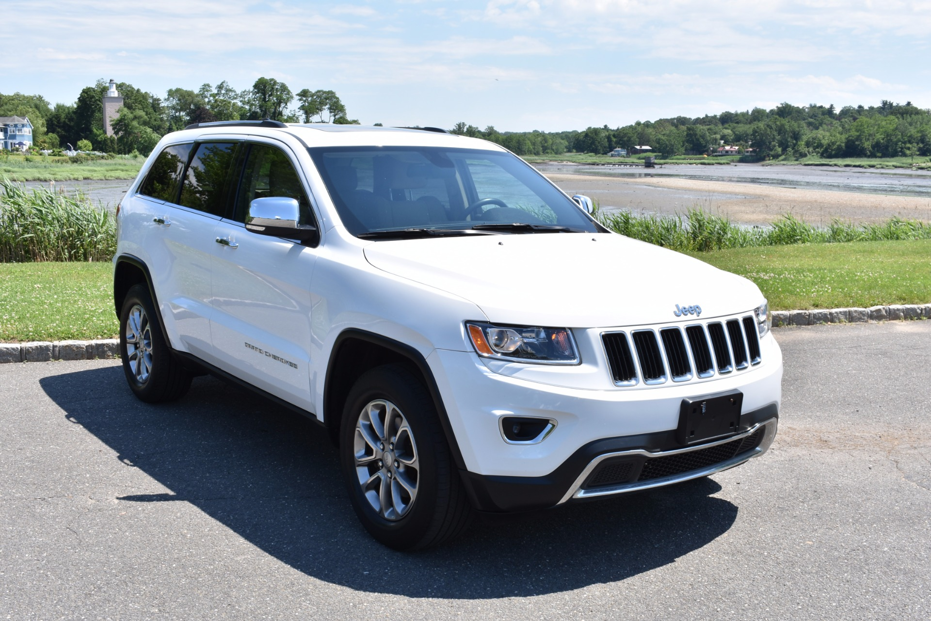used 2014 jeep grand cherokee limited of cam