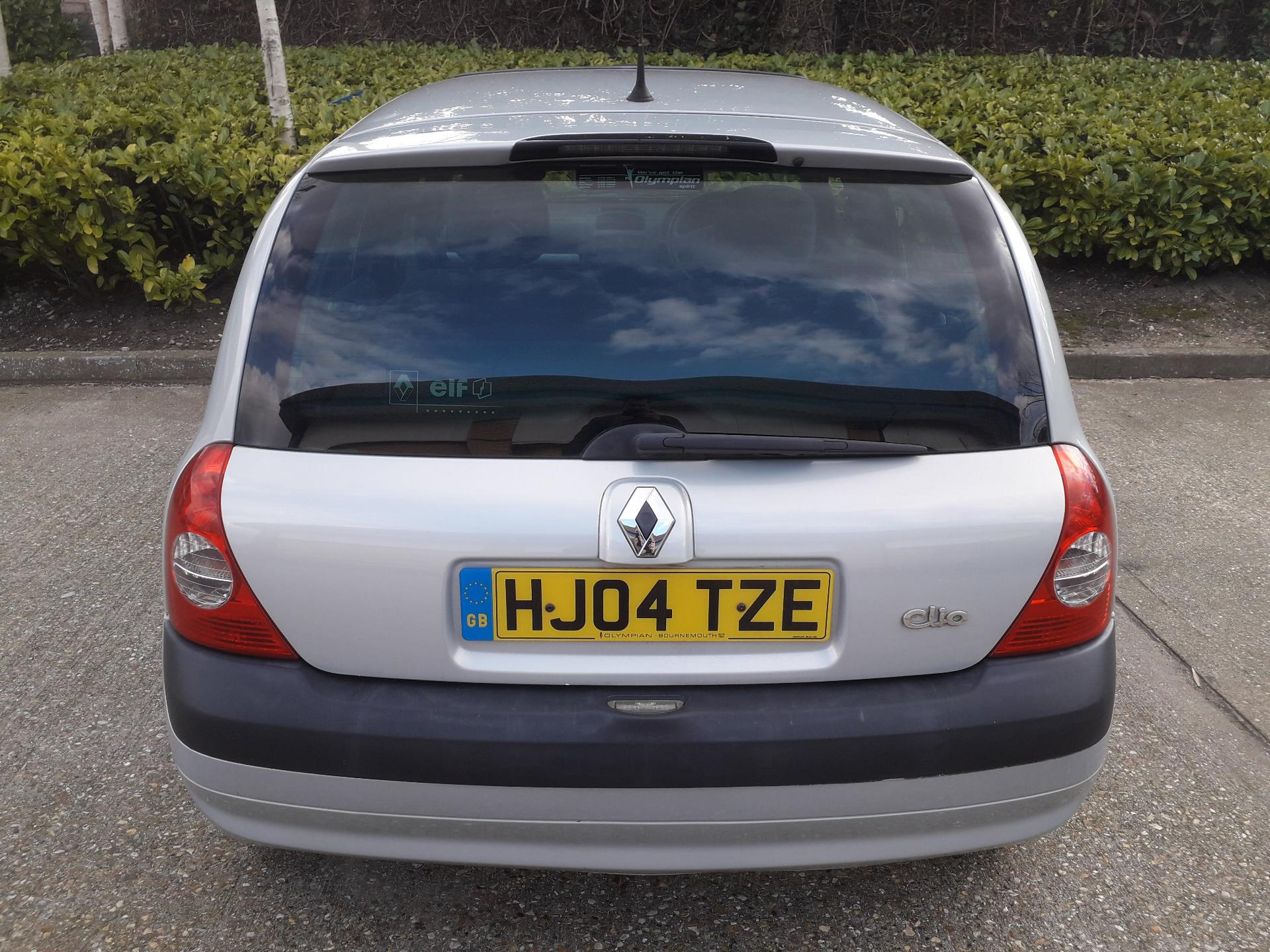 2004 04 renault clio 1 4 16v dynamique 5dr for sale in bournemouth dorset