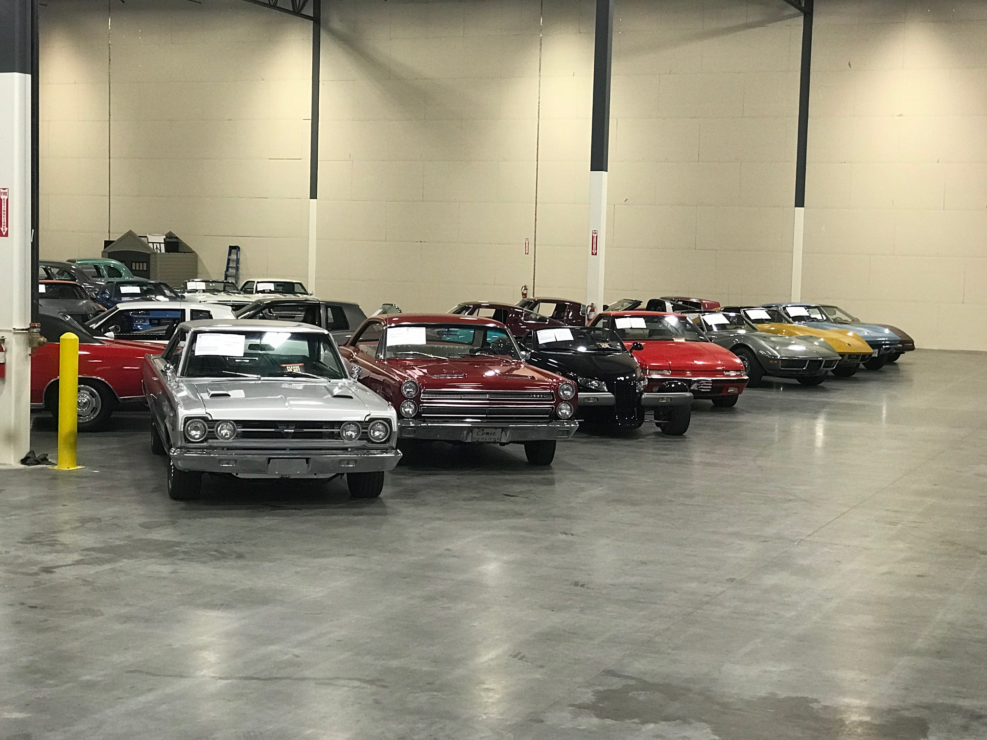 dallas showroom featured cars