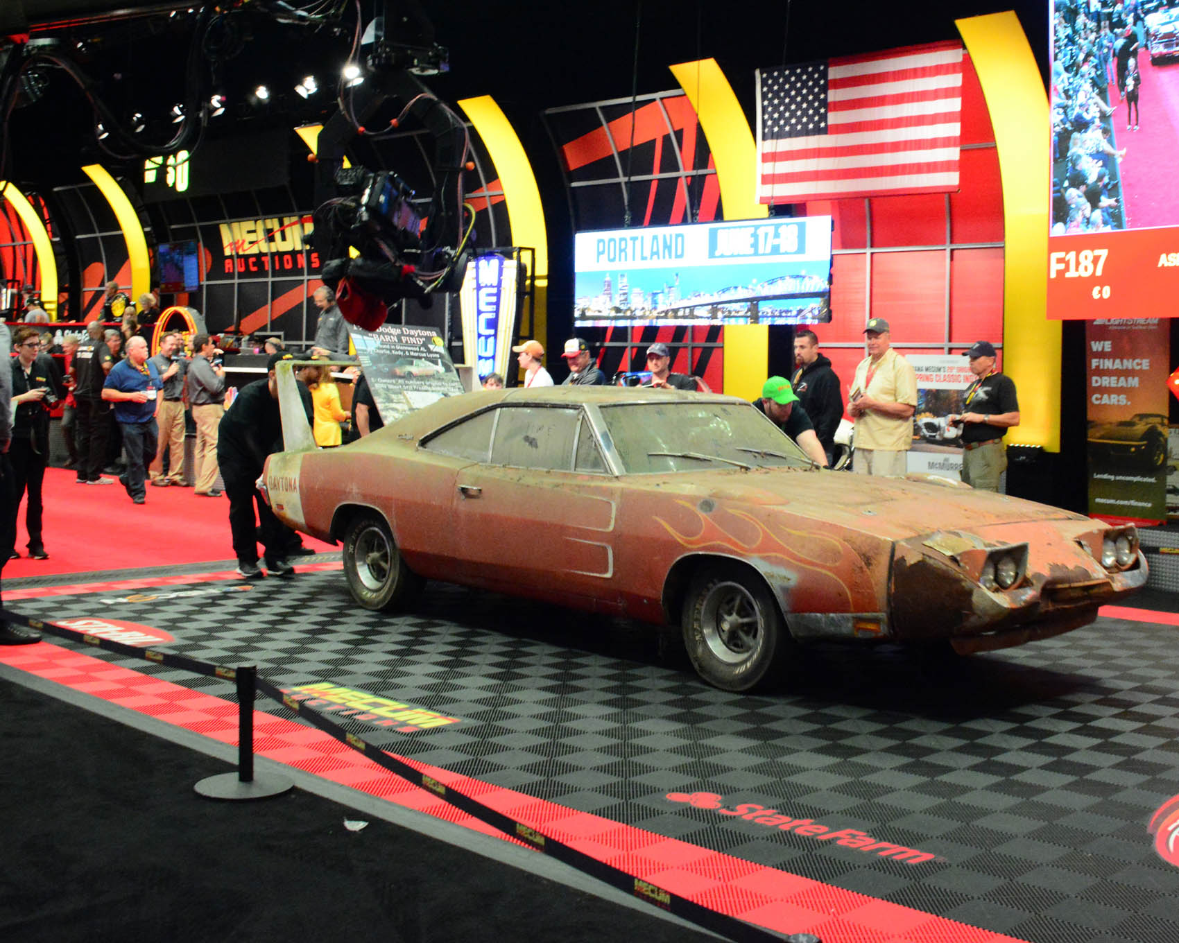 012 1969 barn find charger daytona 440 sale mecum auction kissimmee 2016 hot rod network