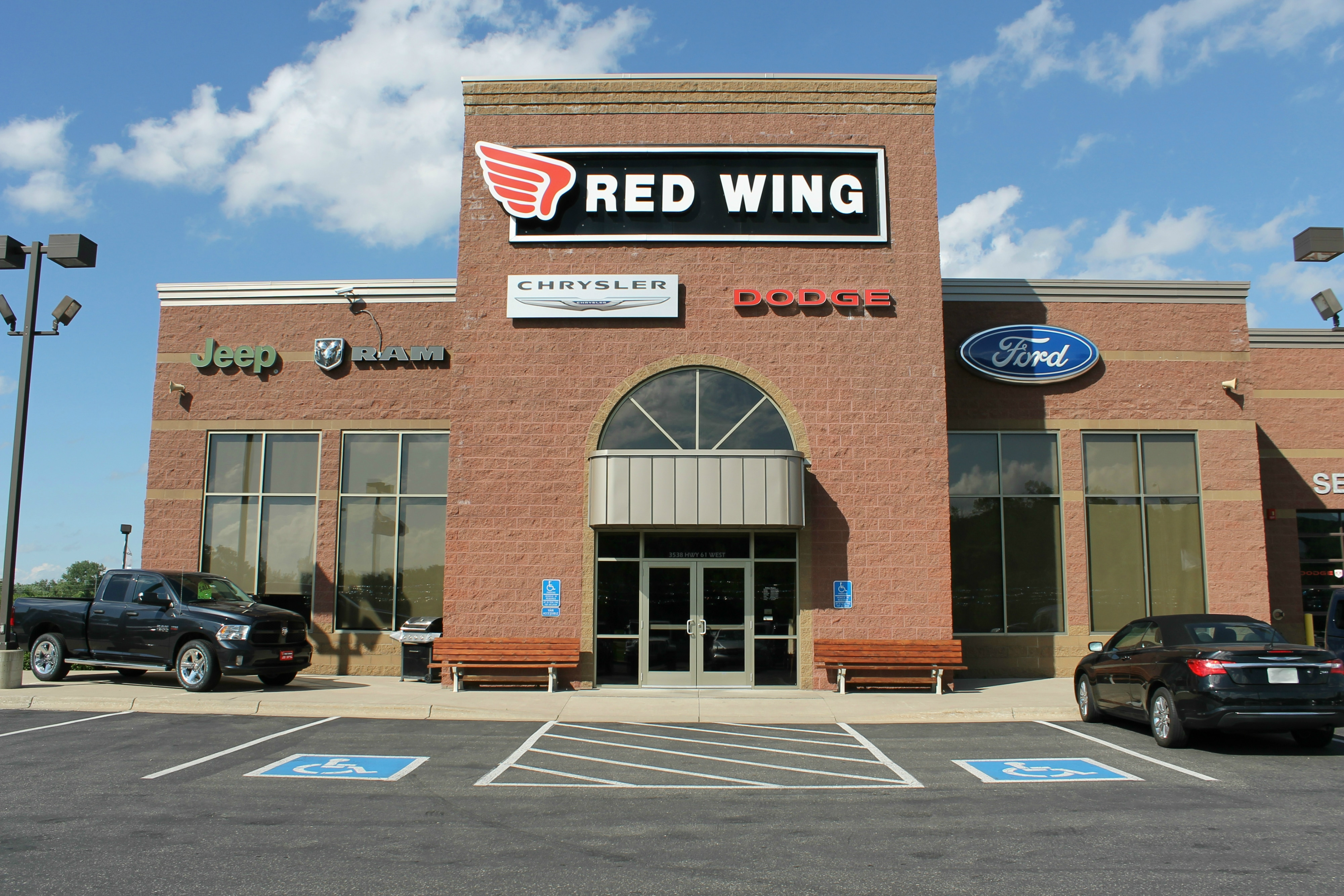 about red wing chrysler dodge jeep ram st paul area new and used car dealership