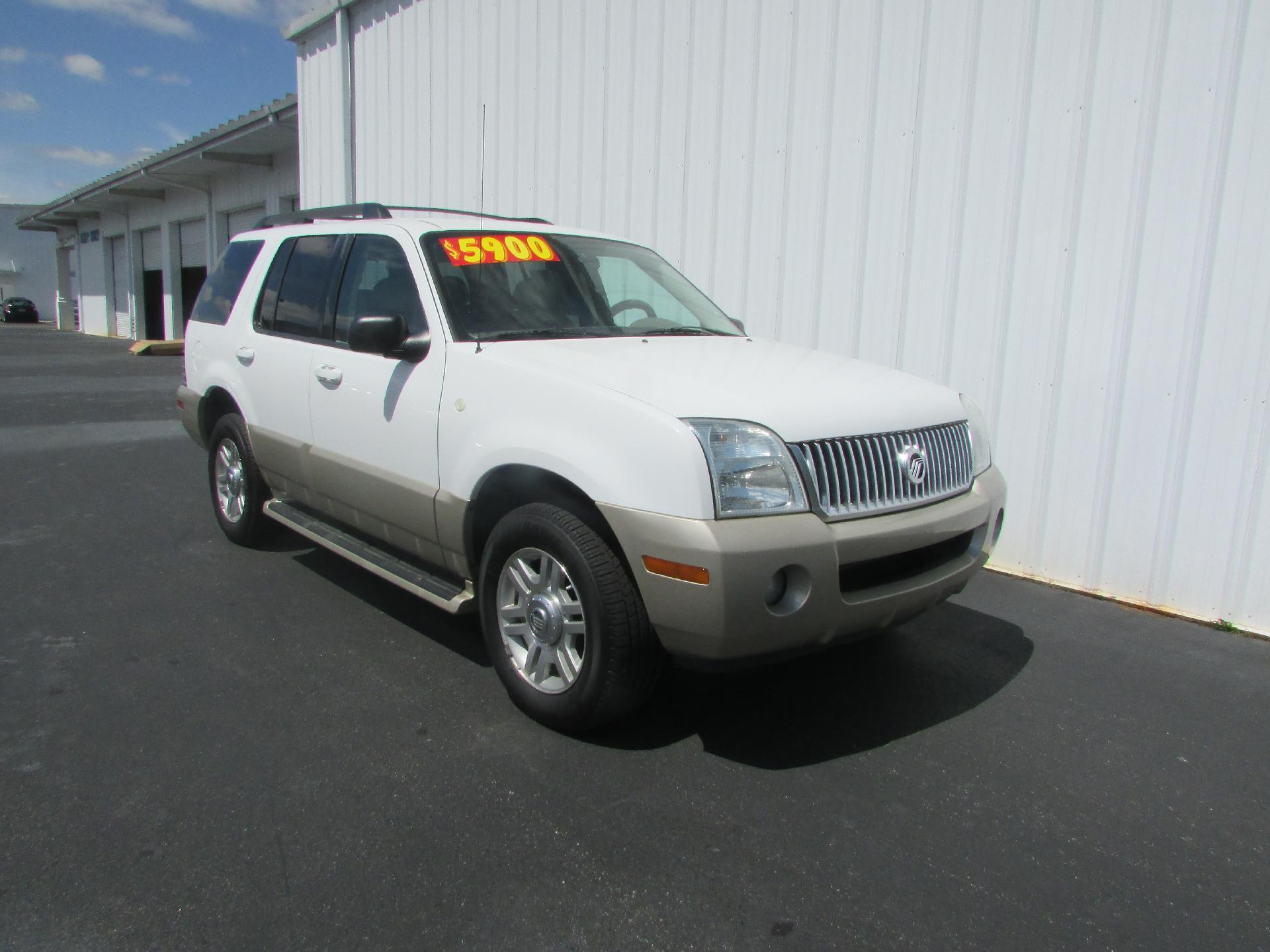 2005 mercury mountaineer vehicle photo in dothan al