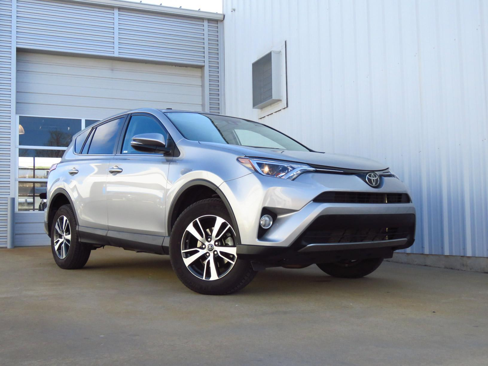 2018 toyota rav4 vehicle photo in harrison ar