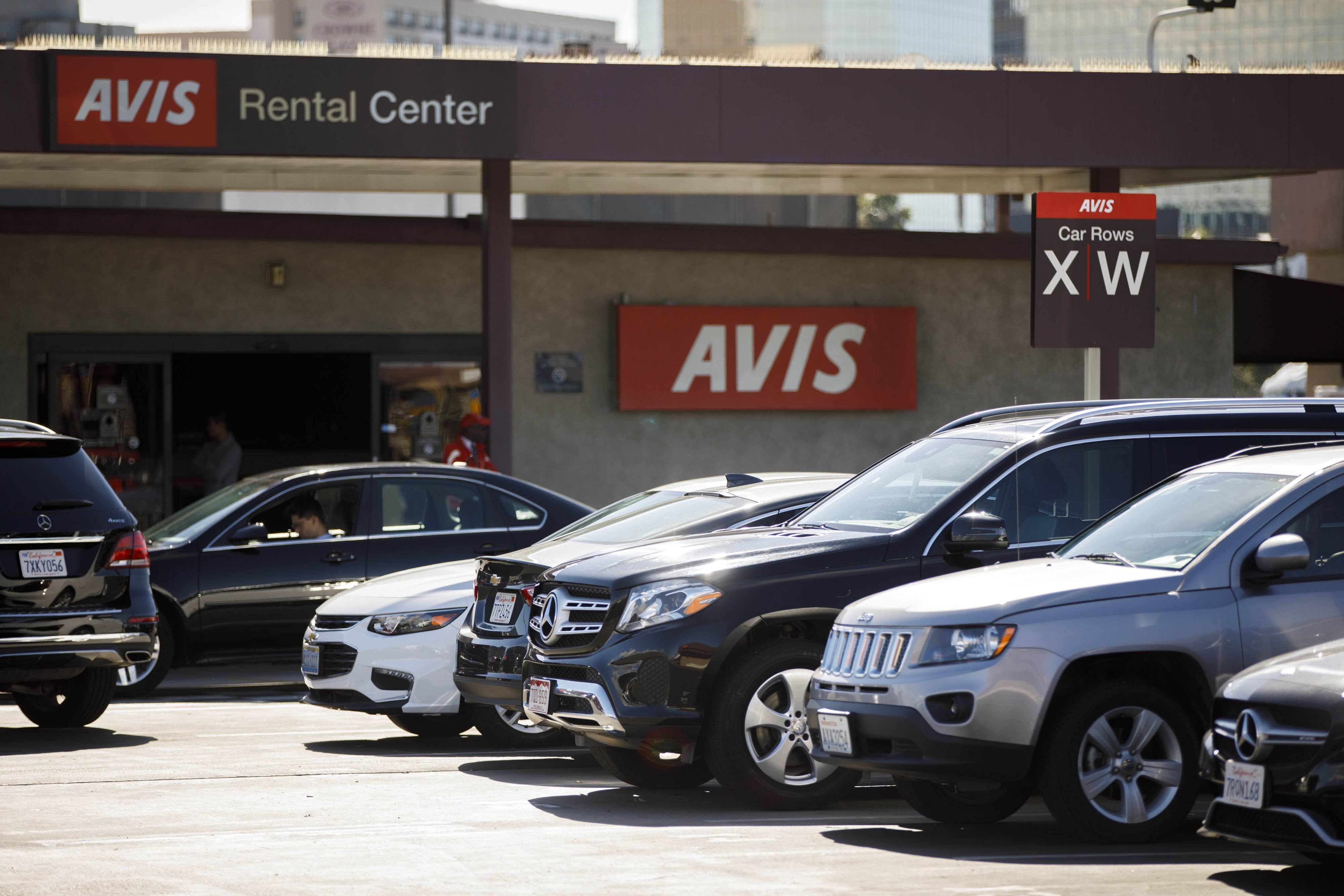 Avis Cars for Sale Near Me Lovely Avis Bud S Largest Investor Launches Fight for Three Additional