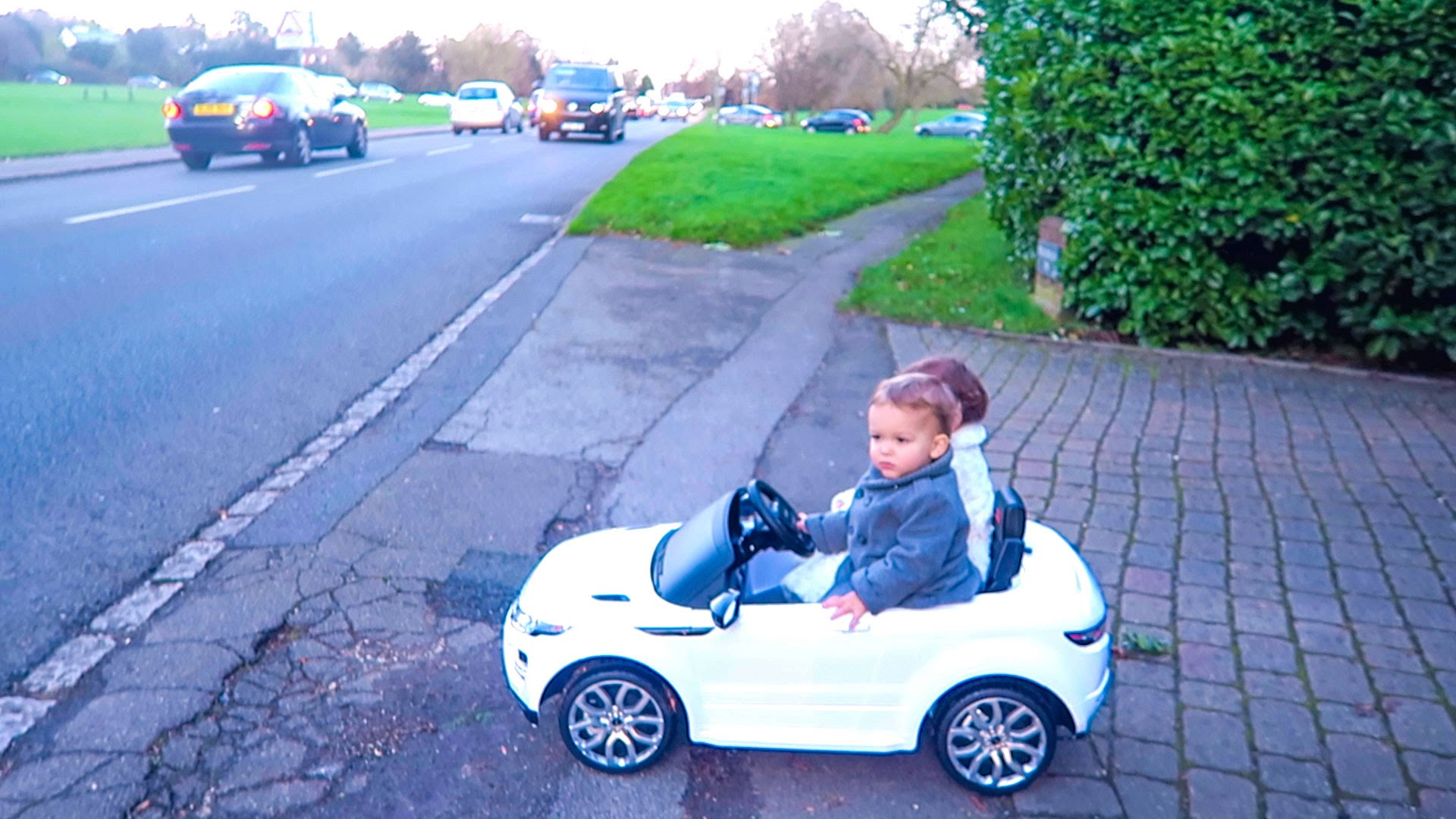 Cars for toddlers to Drive Elegant Kids Driving Cars Youtube