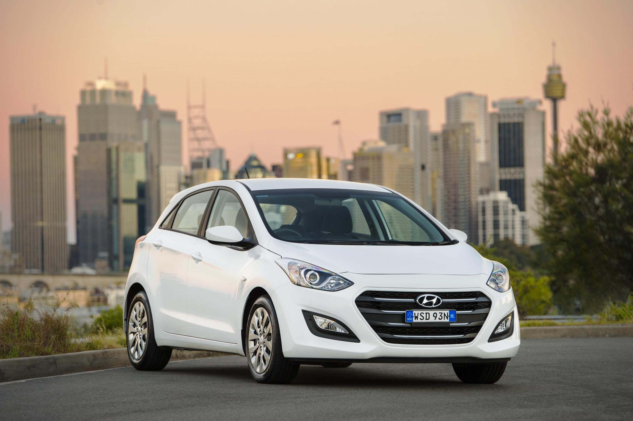 Redbook Used Car Luxury Hyundai Scoops Two Categories at Used Cars Awards – Afma
