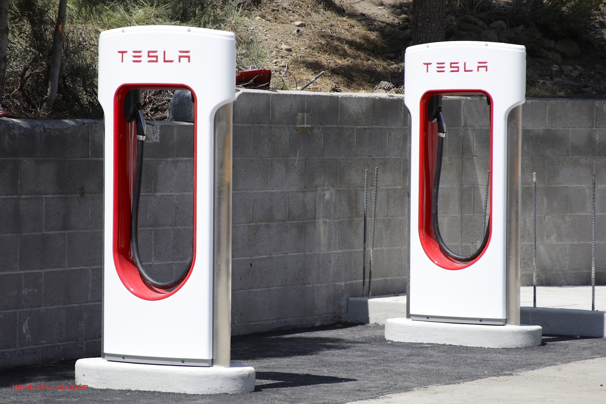 detroit tesla to end free use of supercharging stations