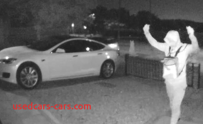 Can Tesla Be Stolen Luxury Gone In 30 Seconds Watch as A 90k Tesla is Hacked and