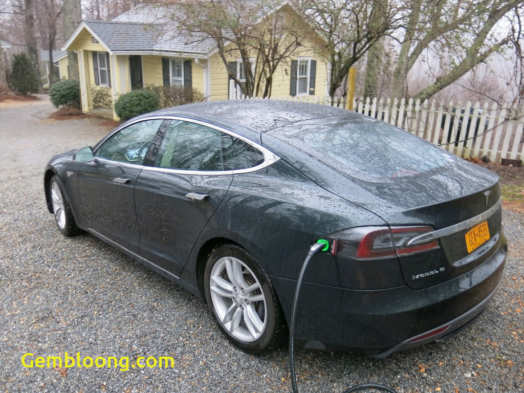 tesla model s battery life how much does range decrease over time