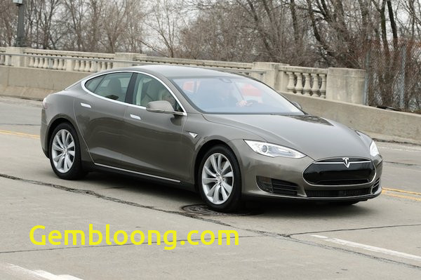 Luxury Tesla 70d Range
