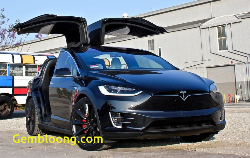 Tesla with Wings Awesome How Teslas Falcon Wing Doors Work Explained Through Lego