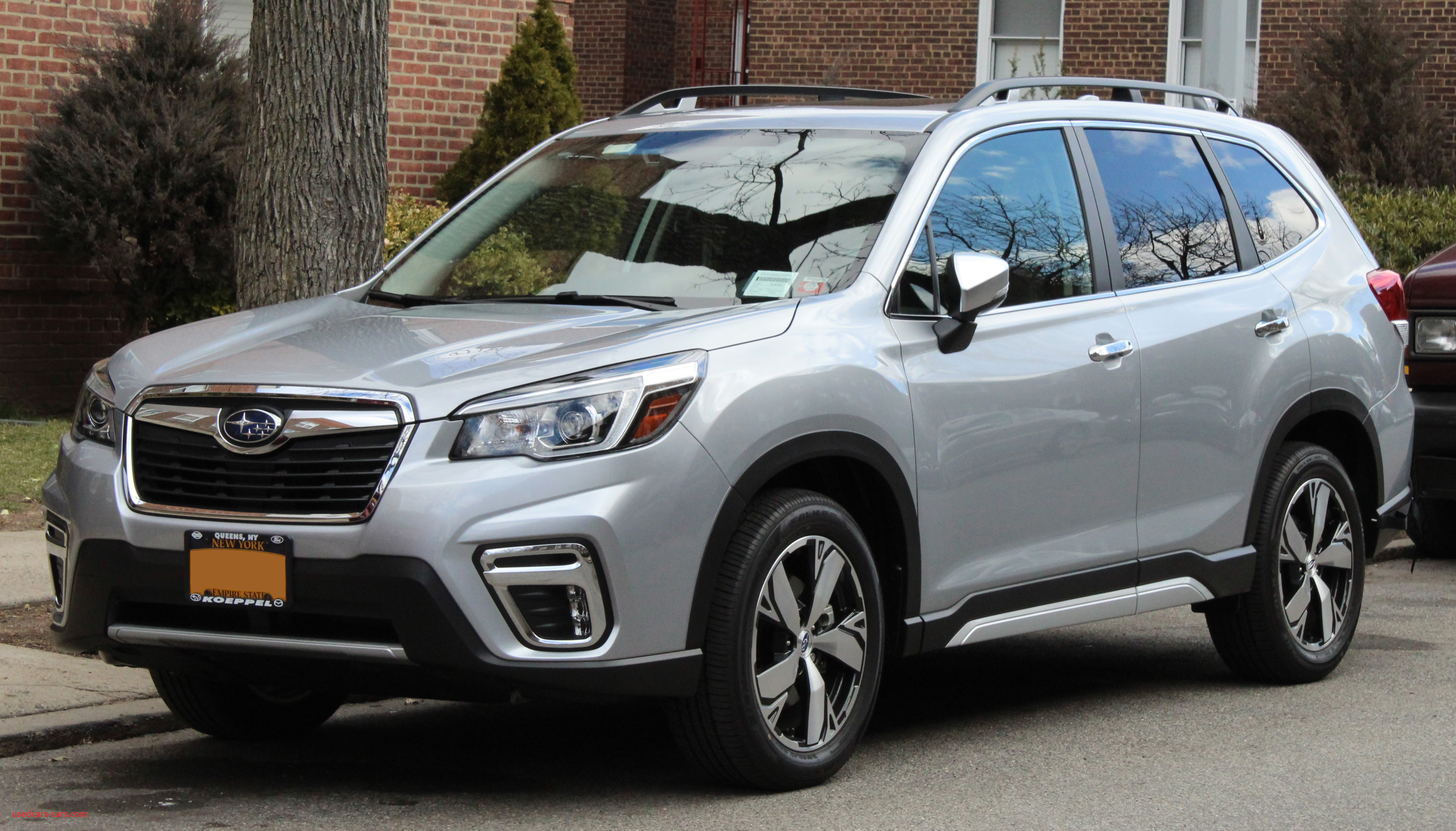 2019 Subaru Forester 2 5i Touring AWD front 3 17 19