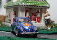 Flower with Vw Beetle Beautiful 1967 Volkswagen with Flowers 1 32 Scale