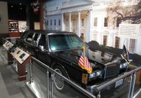 George's Used Cars Inspirational File 1989 Lincoln town Car George Bush Library Wikimedia Mons
