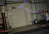 How Tesla Coil Works Beautiful How Giant Tesla Coils Work with Arcattack Youtube