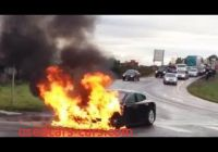 Tesla On Fire Awesome Watch Tesla Model S Electric Car Catches Fire Electric Car