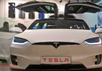 Tesla with butterfly Doors Awesome Tesla Store Model X Falcon Wings Youtube