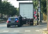 Use Truck Awesome Chicago Police Use Of Bait Truck Caught On Viral Video Criticized