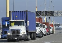 Use Truck Awesome La to Consider Blocking Trucking Panies that Use Independent